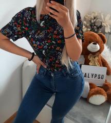 H&M cvetna bluza 🥰