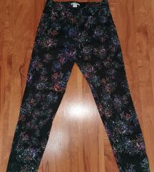 NOVO pantalone sa printom