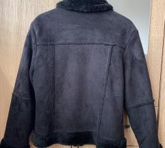 Pretopla bunda od prevrnute koze