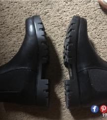 Nove Metro cizme