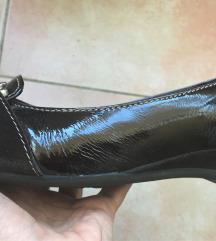 Lakovane braon cipele
