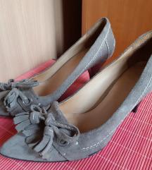 Cipele cele od prirodne kože