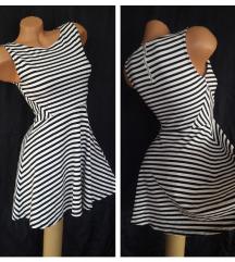 H&M DIVIDED ✿ crnobela prugasta elastična haljina