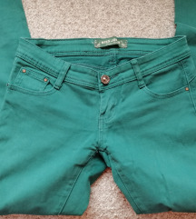 Prelepe zelene pantalone