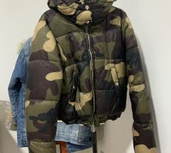Bershka jaknica