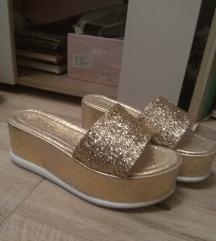 Nove zlatne papuce 36