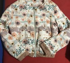 Mona jakna