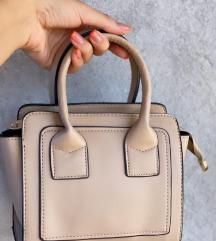 Bež torbica, na prodaji ista i crna🥰