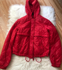 H&M crvena jakna