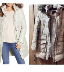 rezz siva perjana jakna do kolena L/M iz Svajcarsk