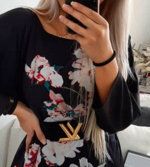 Cvetna tunka bluza