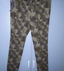 Maskirne c&a  pantalonice-helanke vel.40