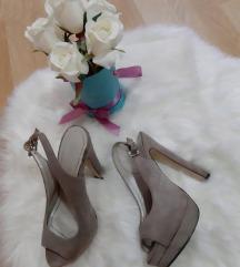 Atraktivne sandale