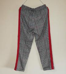 Pantalone karirane za devojčice  9- 10 godina