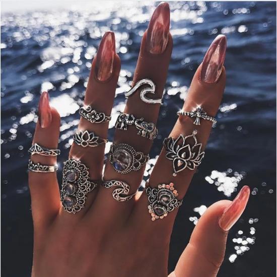 Set od 11 elegantnih prstenova NOVO