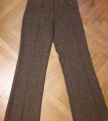 Pantalone 40 broj