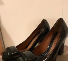 Bata lakovane cipele