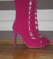 Pink čizme na pertlanje
