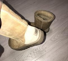 UGG cizme