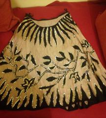 Prelepa suknja bez crna