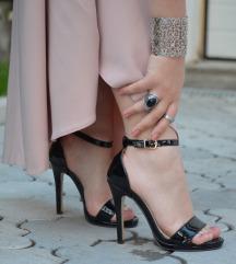 Lakovane sandale na stiklu SNIŽENJE