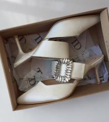Papuce excluzive