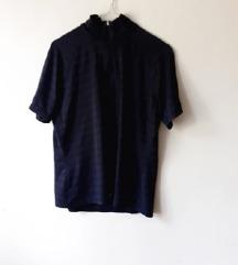 Neobična majica polurolka
