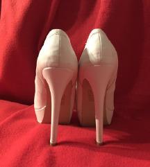 bele cipelice visoka stikla