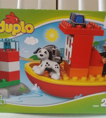 Lego Duplo vatrogasni brodic