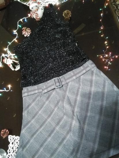 Suknja i majica sa jednim rukavom🎀🎀🎀🎀