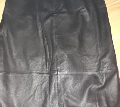 Prelepa crna kozna suknja