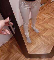 Bele pantalone Fervente ❤