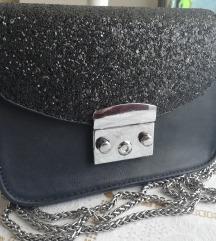 Crna torbica sa sljokicama