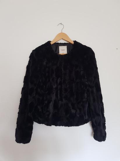 Pull&Bear krznena jaknica