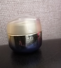 Shiseido UPLIFTING AND FIRMING DAY CREAM SPF30