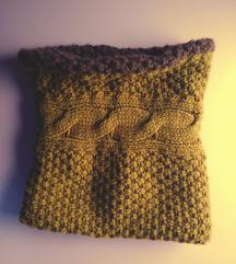 Terranova knitted infinity scarf