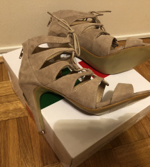 Sandale na stiklu  NOVO