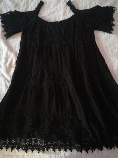 Haljina sa otkrivenim ramenima