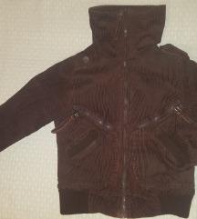 Somotna zimska jakna sa velikom kragnom