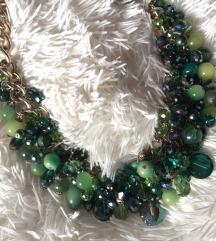 Bogata zelena ogrlica