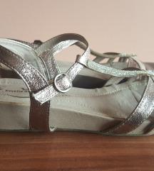 Sandale 700din