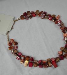 Orsay ogrlica od skoljki NOVO