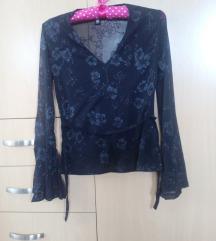 Elegantna crna bluza od tila