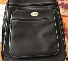 Crni mali kofer 46x33x18