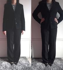 TOTALNO SNIZENJE Crno odelo sako pantalone