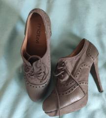 Motivi Cipele na pertlanje