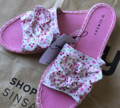 Sinsay papuce novo