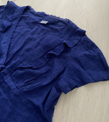 Plava majica sa karnirima