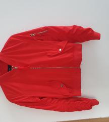 Bershka zenska jaknica velicina M