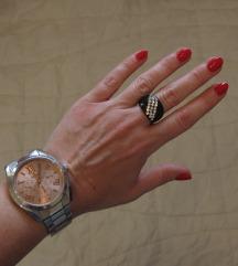 204. Crni prelepi prsten sa cirkonima, bižuterija